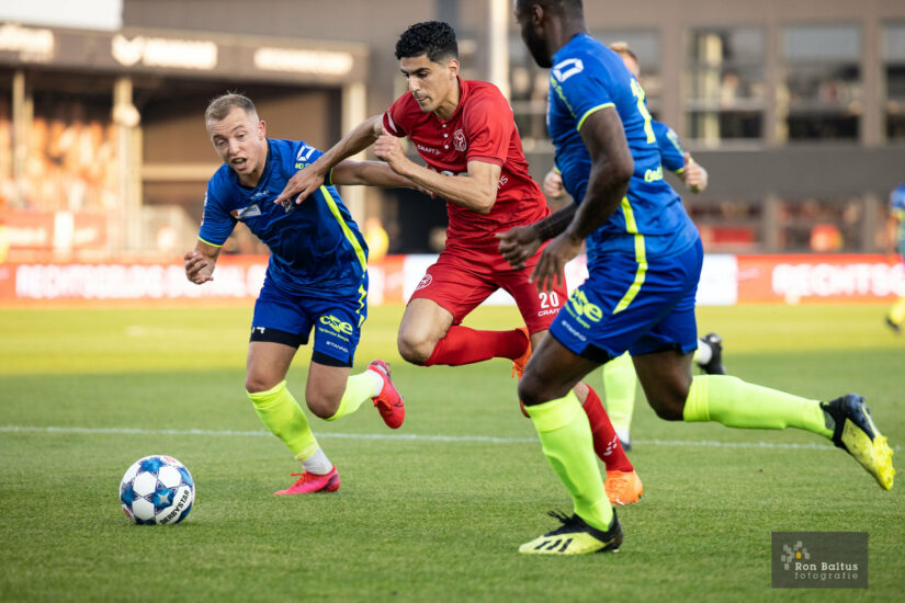 City wint thuiswedstrijd tegen TOP Oss (3-0)