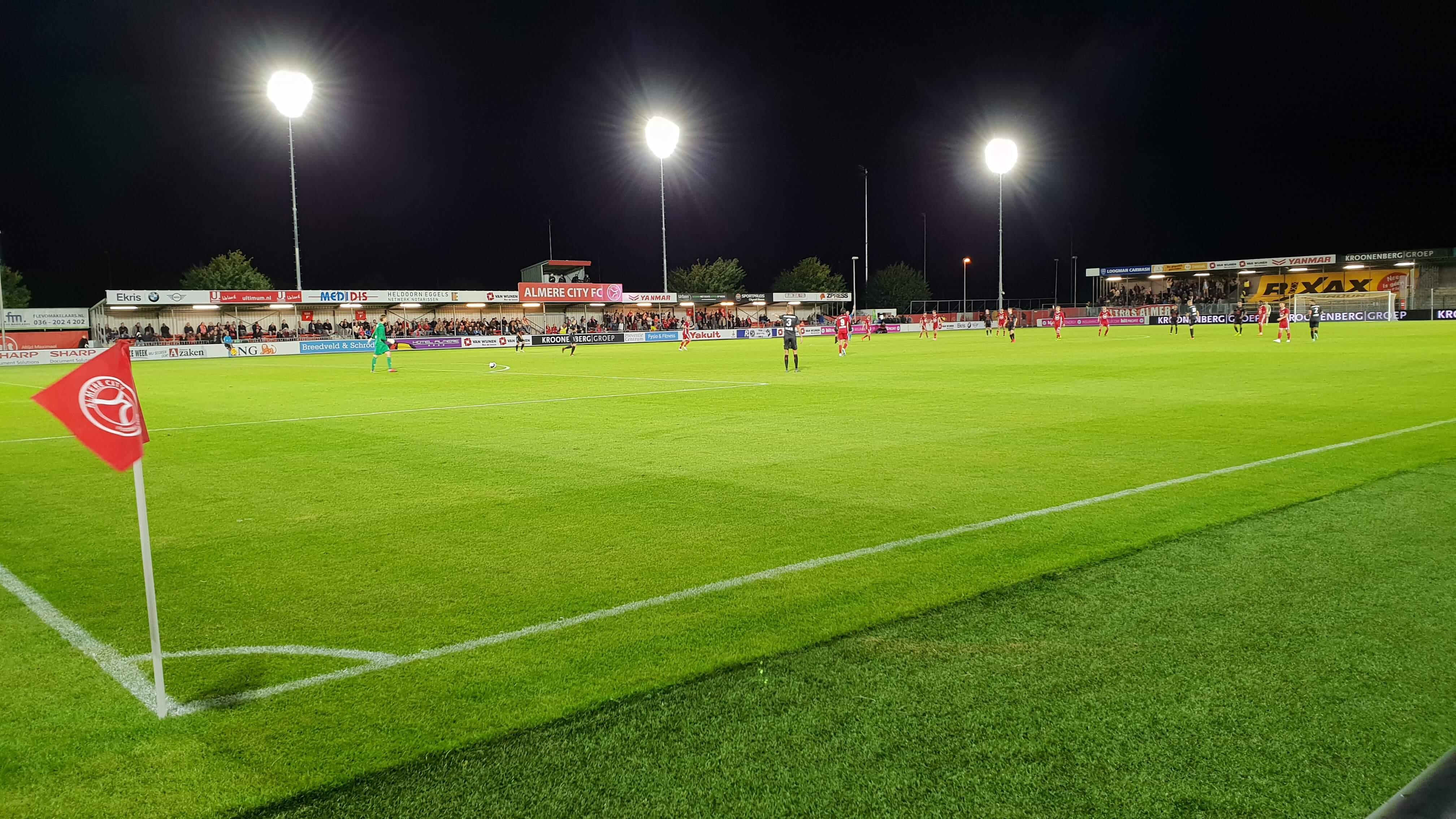 Almere City FC boekt eerste thuiszege