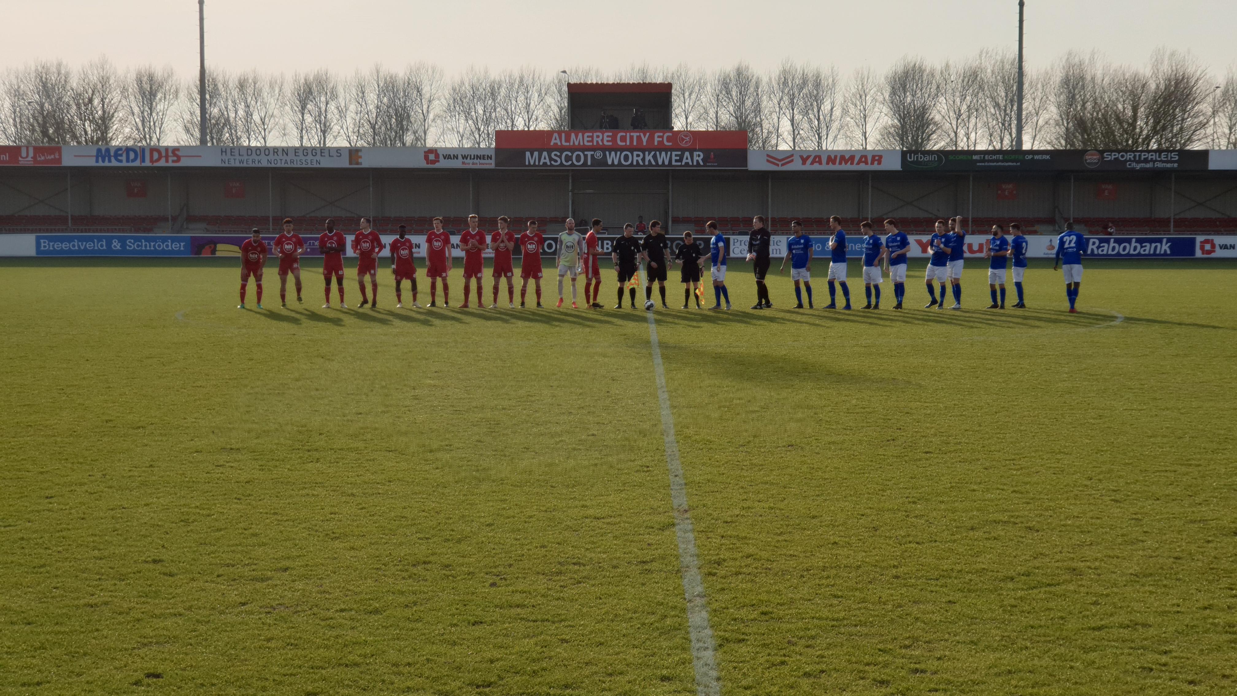 Jong Almere City FC wint met 2-0 van GVVV