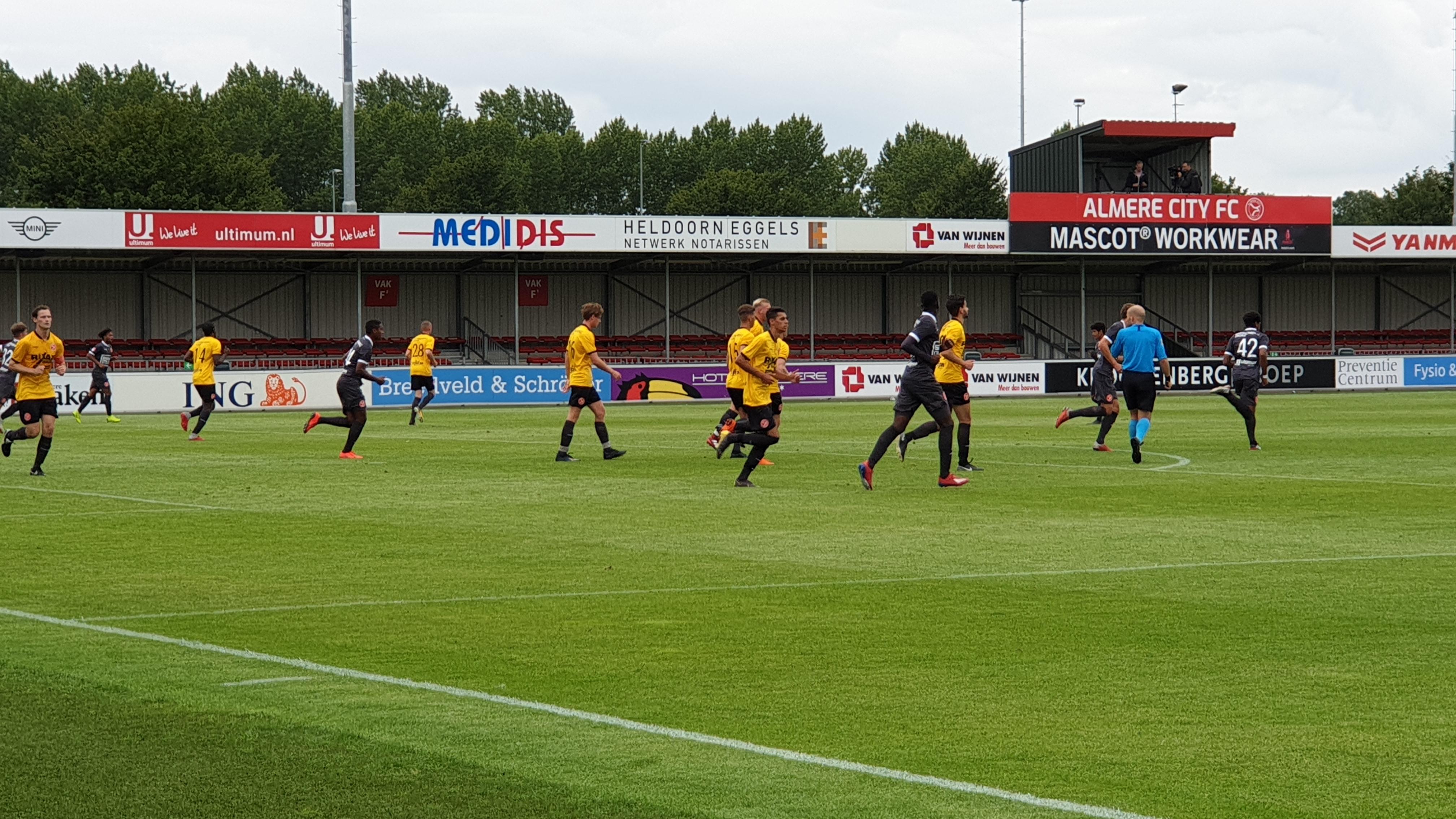 Jong Almere City FC wint van Team Flevoland