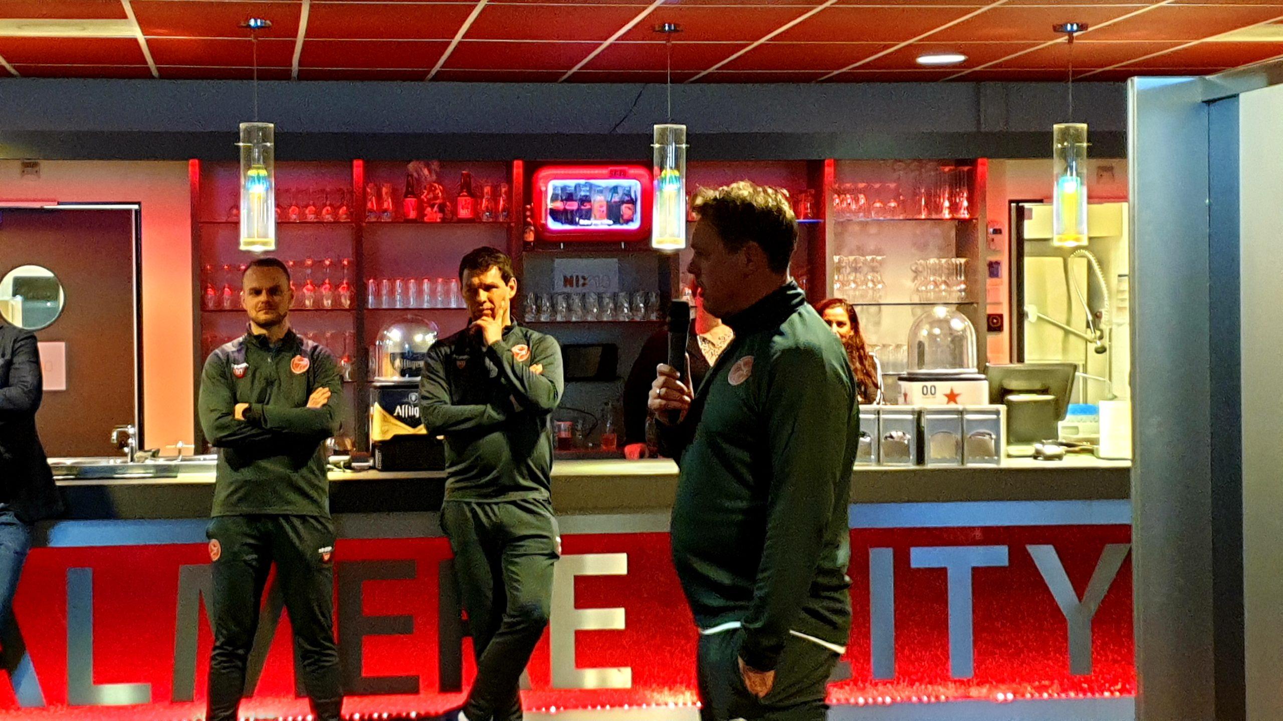 Ambassadeursavond: Nieuw scorebord en dak op academy veld