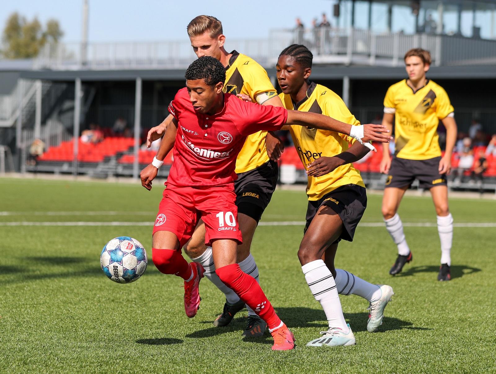 Almere City FC O21 buigt in slotfase voor NAC Breda O21