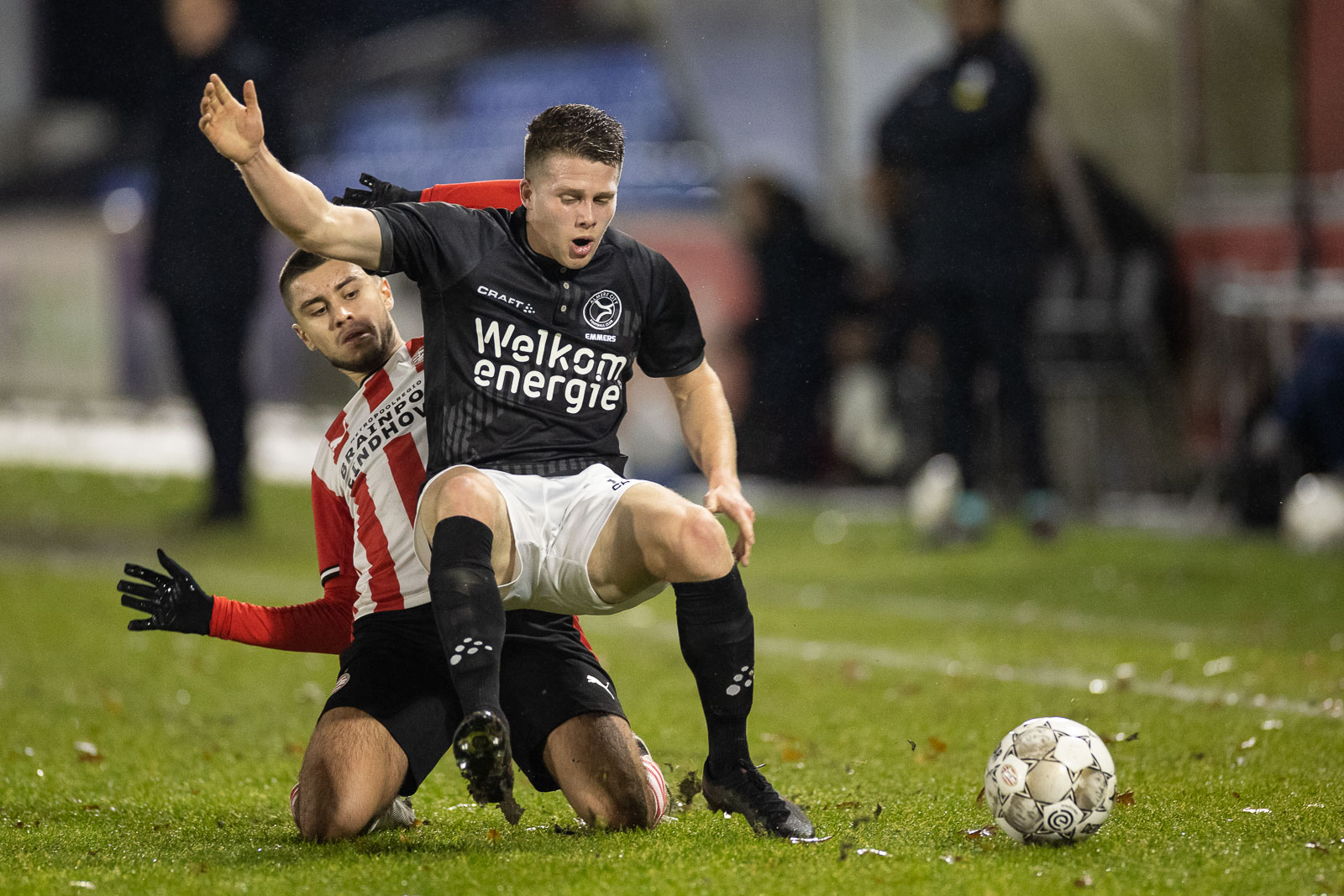 Almere City FC sluit 2020 af met zege op Jong PSV