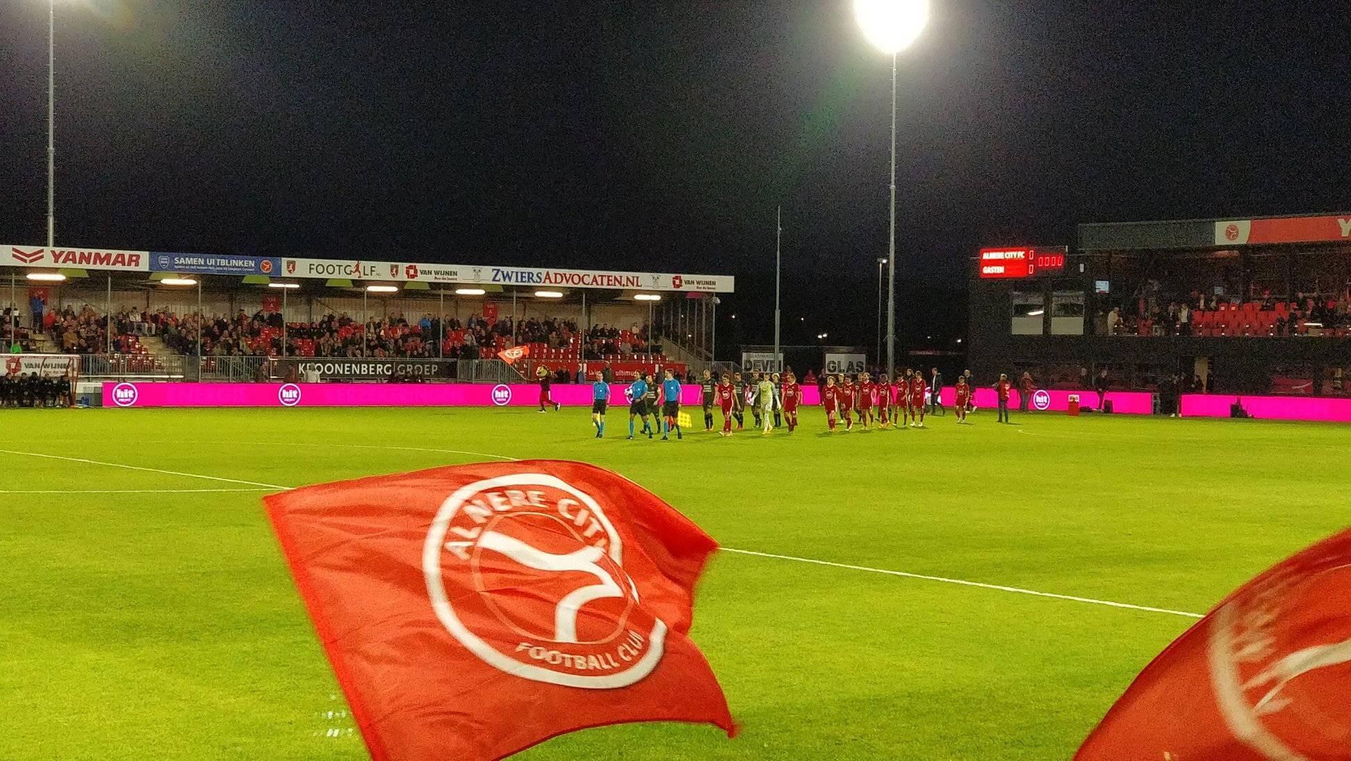 Almere City FC medekoploper na winst op RKC