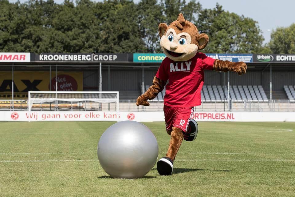 Almere City FC presenteert nieuwe mascotte