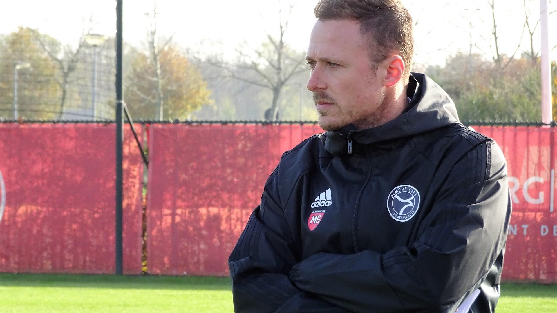 Almere City FC en Michele Santoni per direct uit elkaar