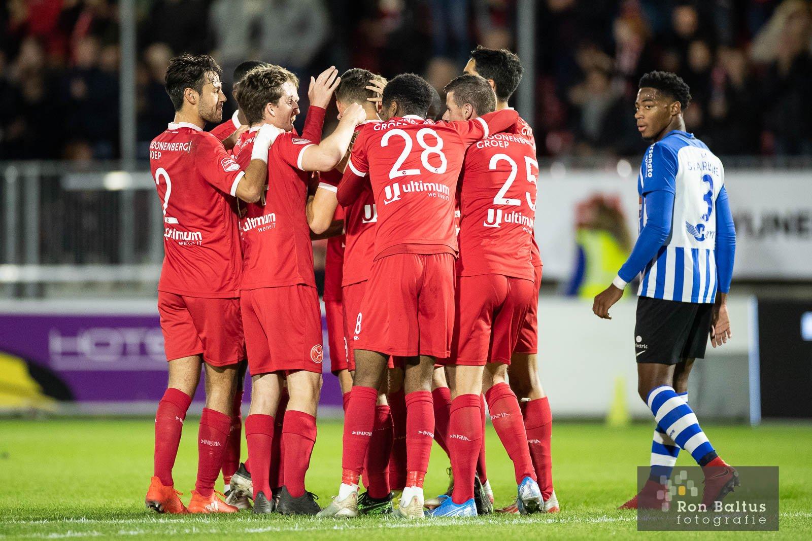 Almere City FC verslaat FC Eindhoven in slotfase