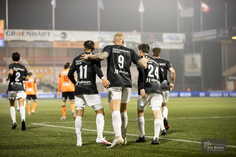 Almere City speelt gelijk in Markermeer-Derby
