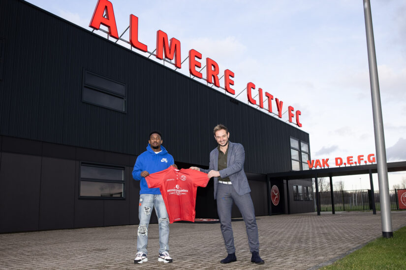 Almere City FC huurt John Yeboah van Willem II