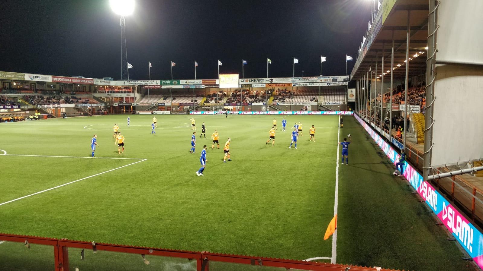 Almere City FC speelt Markeermeerderby met 2-2 gelijk bij FC Volendam