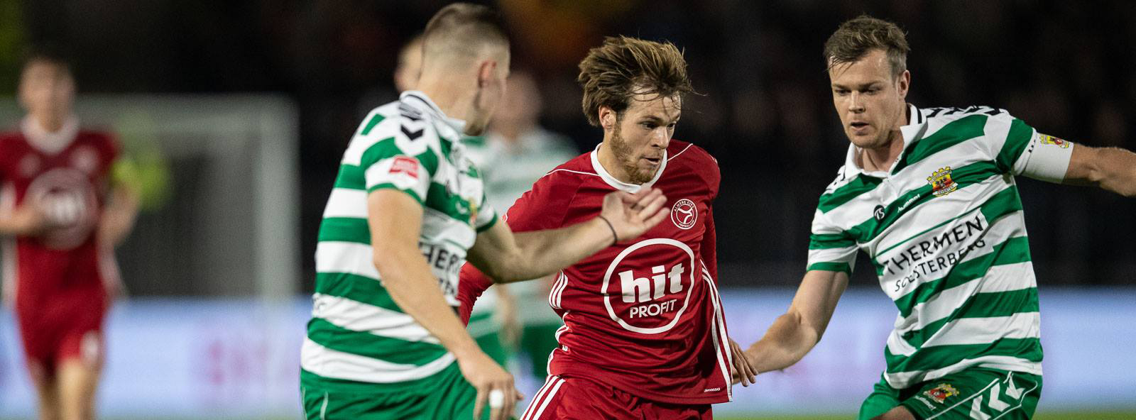 Almere City komt tekort in matige topper tegen Go Ahead Eagles
