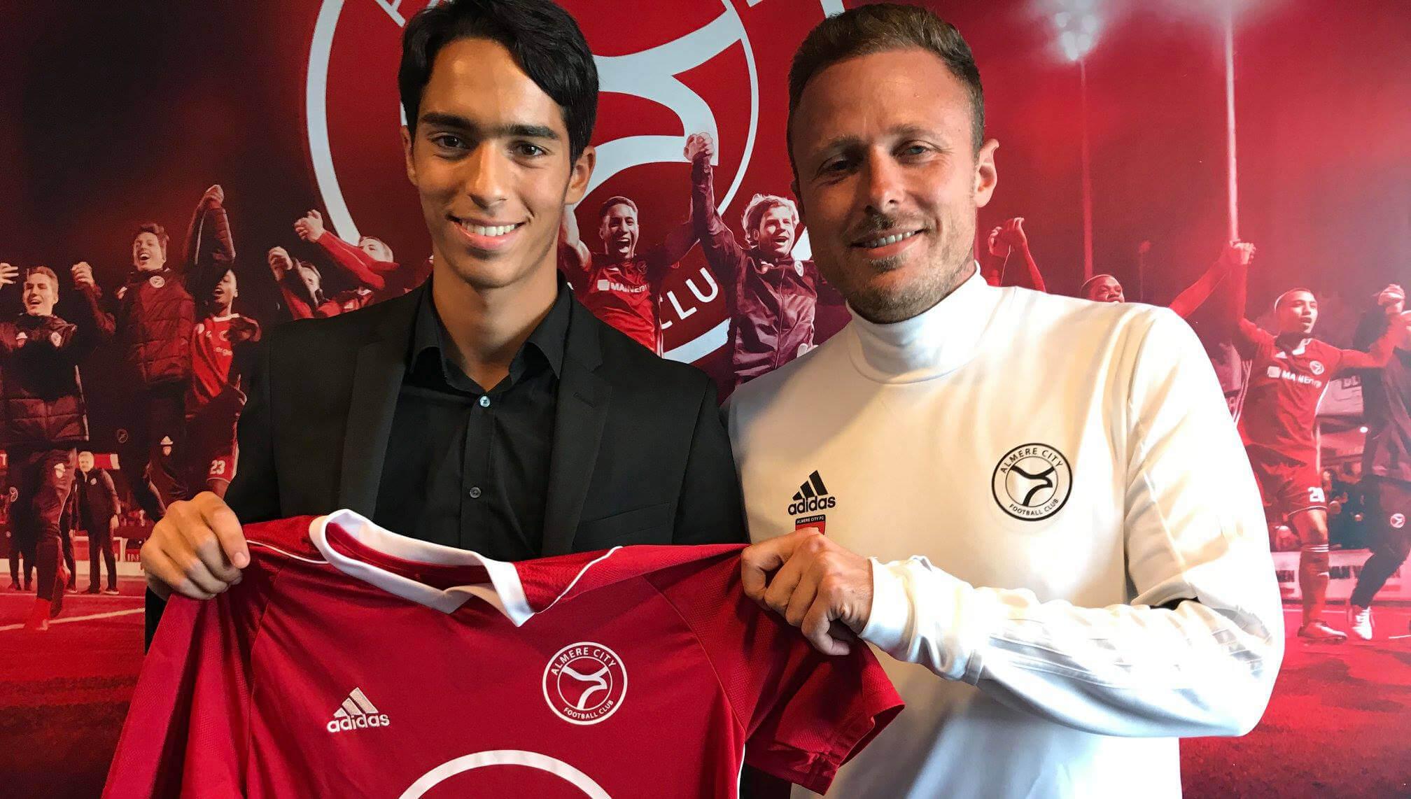 Eerste profcontract voor Anwar Bensabouh