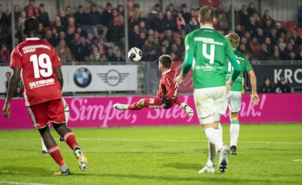 Rood aanlopend Almere kan niet winnen van FC Dordrecht