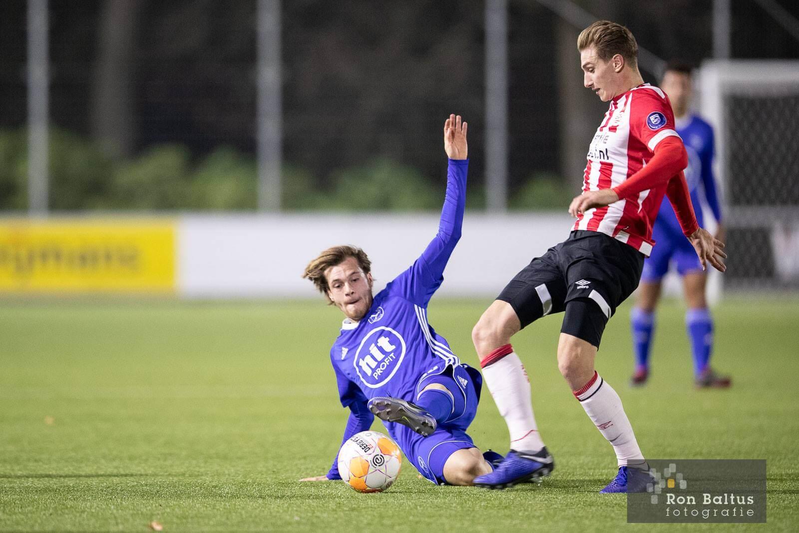 City sluit jaar af met blamage bij Jong PSV
