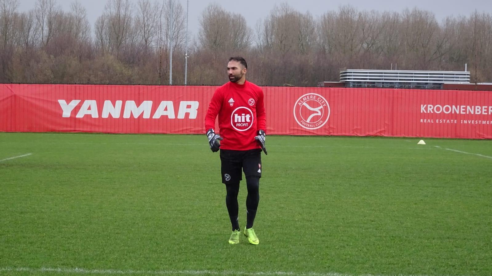 Etemadi en Almere City bereiken akkoord voor 2,5 seizoen. Doelman stapt per direct over!