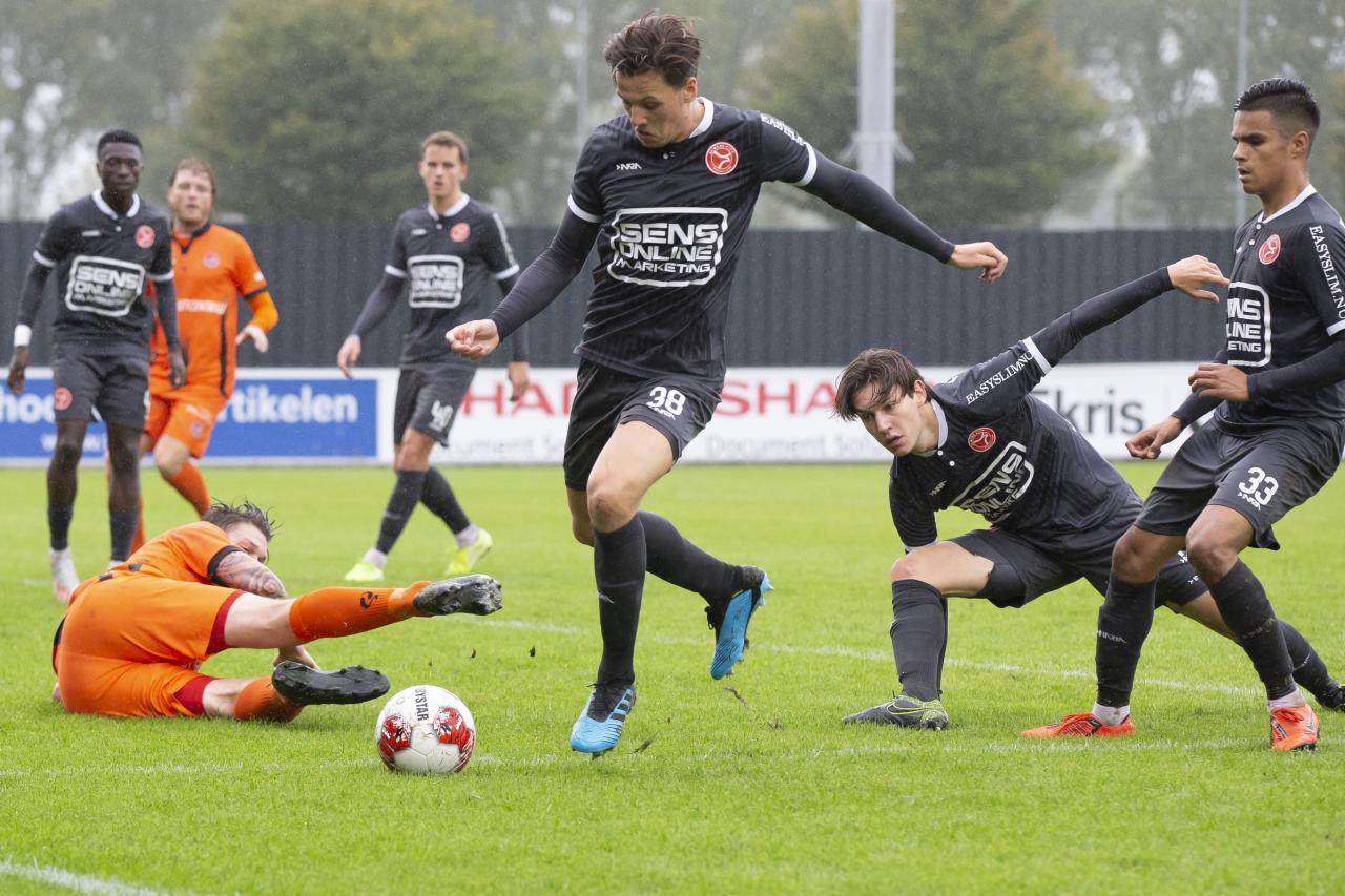 Makkelijke middag voor Jong Almere City FC tegen SteDoCo