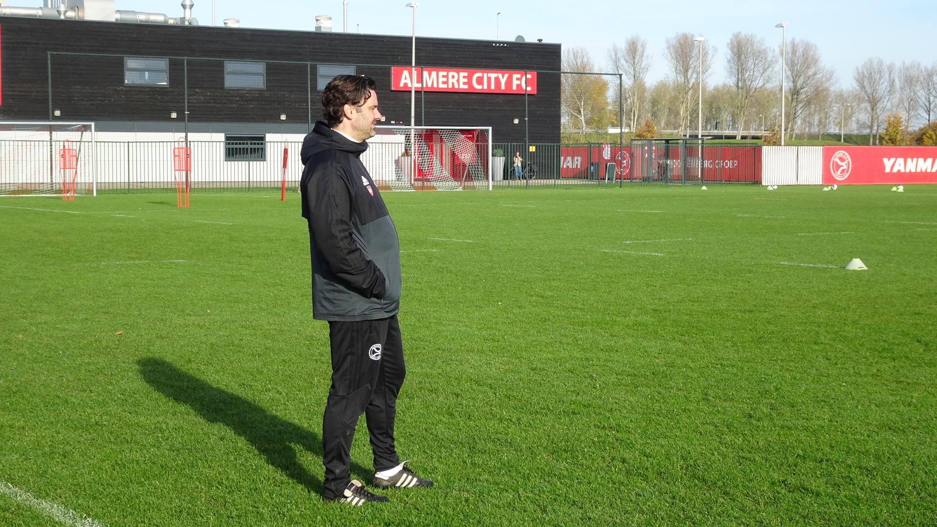 Jong Almere City geeft voorsprong weg bij FC Lienden