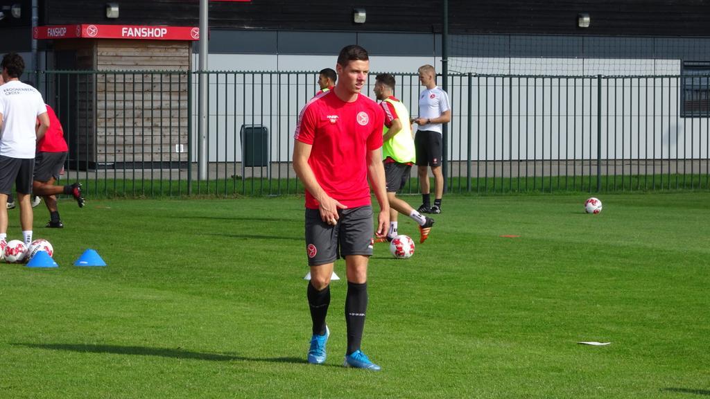 Almere City strikt Nick Venema!